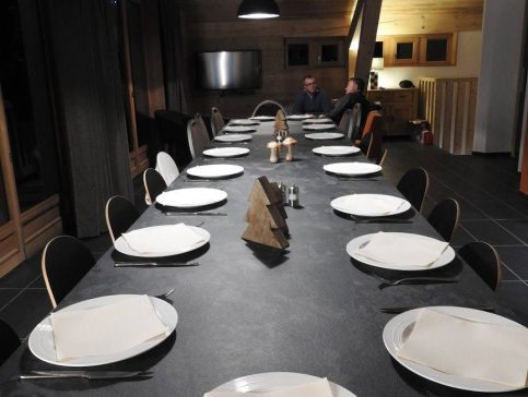 Table - Location chalet vacance Valmorel